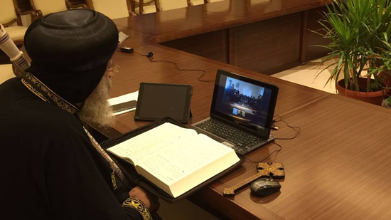 Pope Tawadros discusses the law to build churches with priests of America