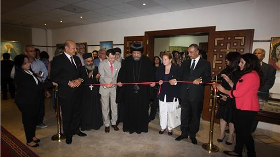Bishop Ermia opens the exhibition of the artist Saad Metri