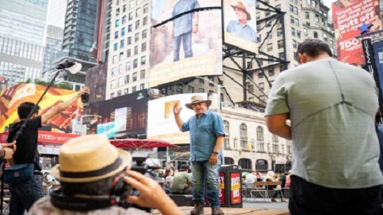 Photo of Egyptologist Zahi Hawass to decorate NYCs Times Square to promote tourism to Egypt