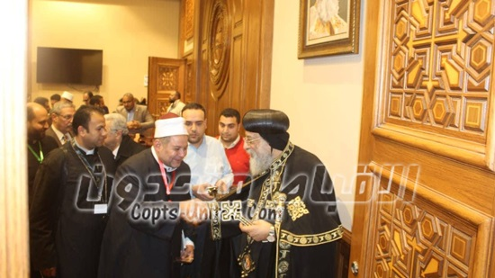 Pope receives delegation of the Egyptian family house
