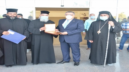 Christian clergy delegations congratulate officials on Eid al-Fitr