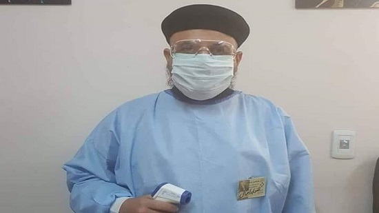 A priest dressed as nurse to serve COVID-19 patients in Beni Suef