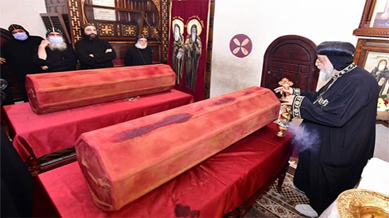 Pope Tawadros perfumes the remains of St. Moses and St. Isidore