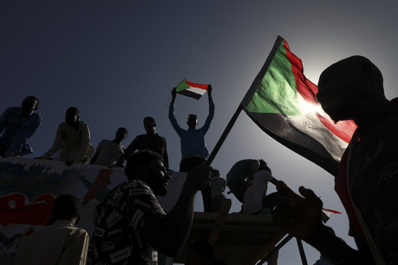 Protesters return to Sudan streets, calling for more reforms