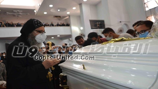 Bishop Stephanos leads the funeral of Beba's oldest priests