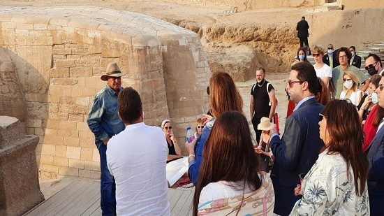 Zahi Hawass meets the first American delegation since the Corona crisis