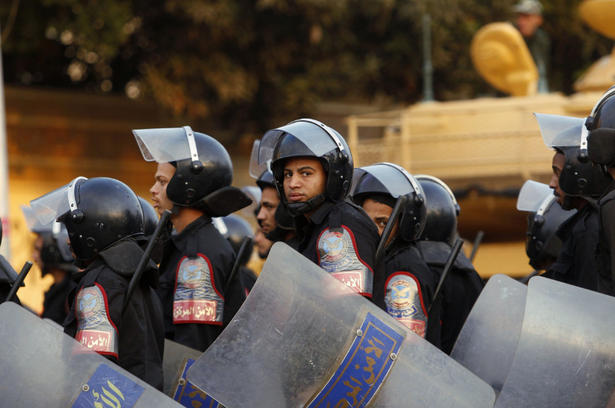 Egypt rights groups say constitutional referendum marred by violations