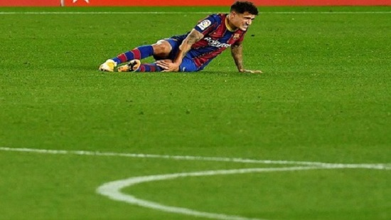 Injury blow for Barcelona as midfielder Coutinho needs surgery